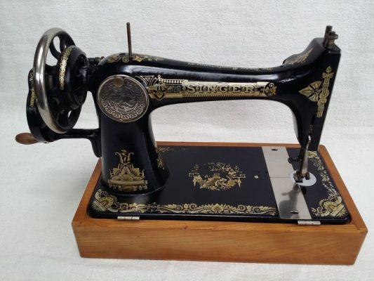 mesin jahit tradisional